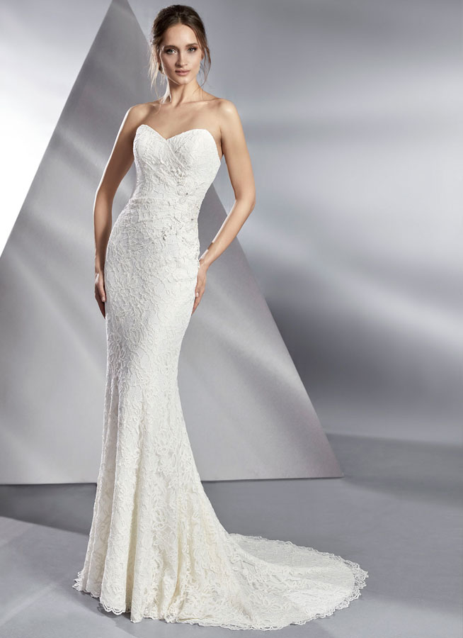 Le Papillon Balboa wedding gown