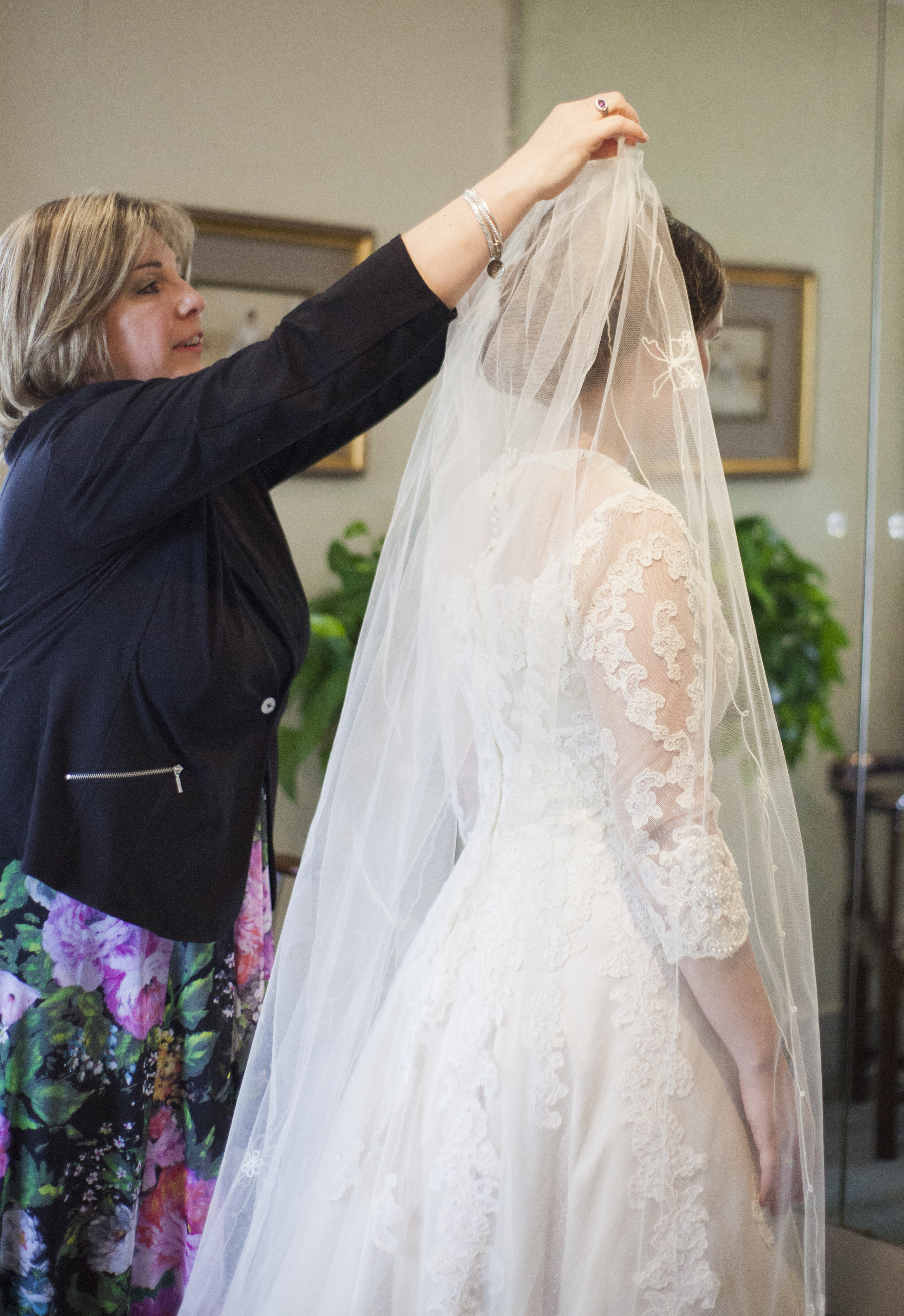 couture wedding gown shopping experience