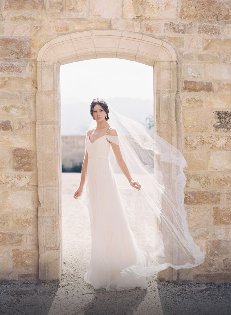 Your Dream Gown at a Dream Price - All Brides Beautiful