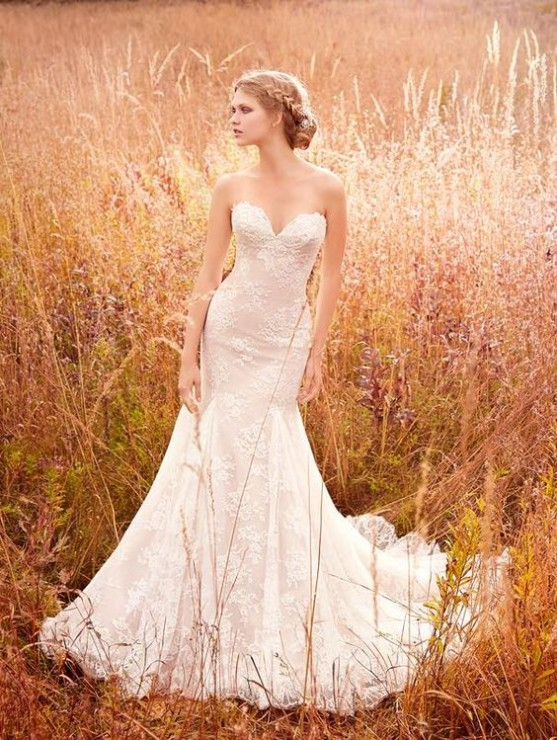 Can Be Chosen For A Barefoot Beach Wedding Or Formal Ball Room Affair Perfect Brides With Hourglass Figures But If You Dont Want Something Tight