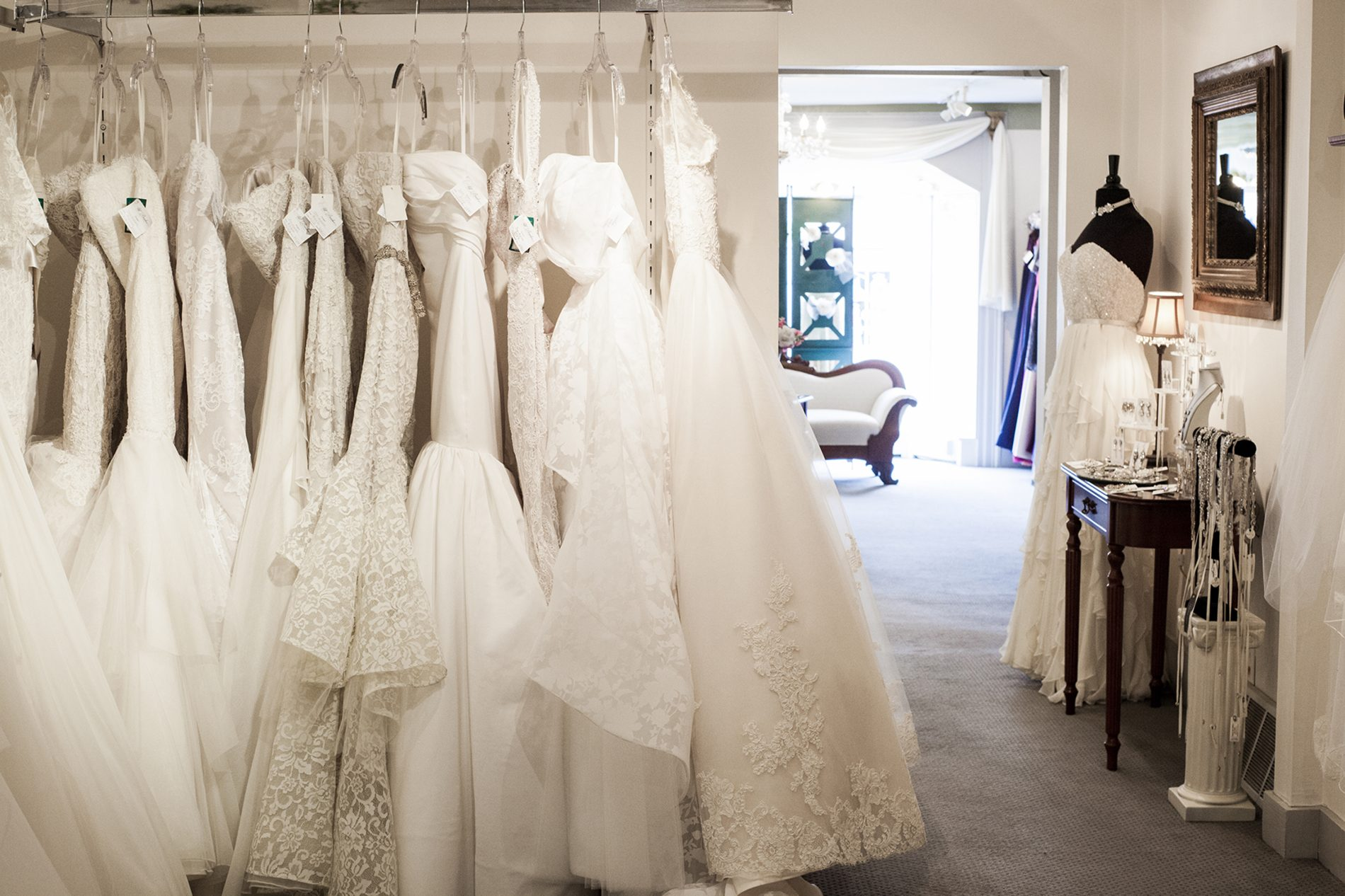 How to Survive Gown Shopping with your Family - All Brides Beautiful
