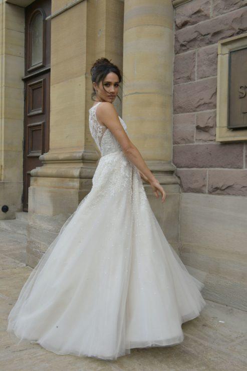 meghan markle's wedding gown ideas
